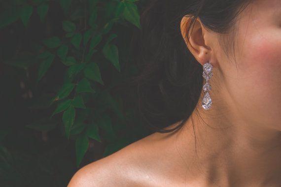 Floral bruids oorbellen Crystal bruiloft oorbellen door LuvisBridal
