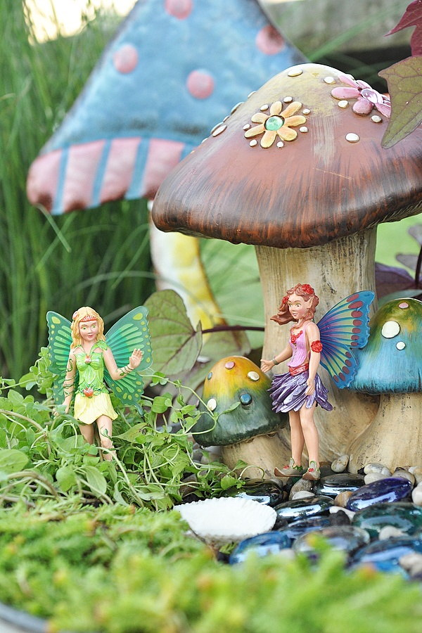 DIY Fairy Garden.  Spring project with Audrey