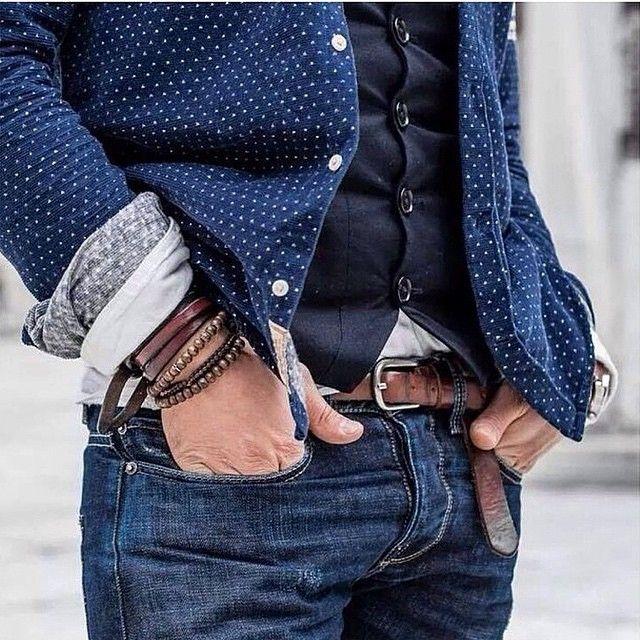 JAMAIS VULGAIRE, blog mode homme, magazine et relooking online | Une tenue bien accessoirisee et avec beaucoup de caracteres grace au jean un peu delave