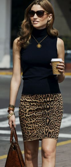 Leopard print skirt & sleeveless turtleneck