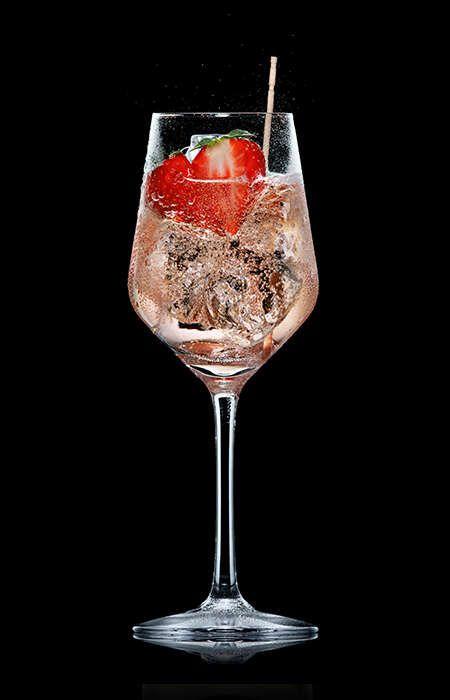 Cooler Aperitif… Lillet wild Berry - gesehen bei Gofeminin DE