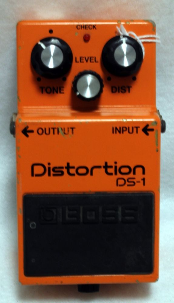 Boss DS-1 Distortion Electric Guitar Effect Foot Pedal Switch Roland Footswitch  #Boss #foot #pedal #guitar #effects