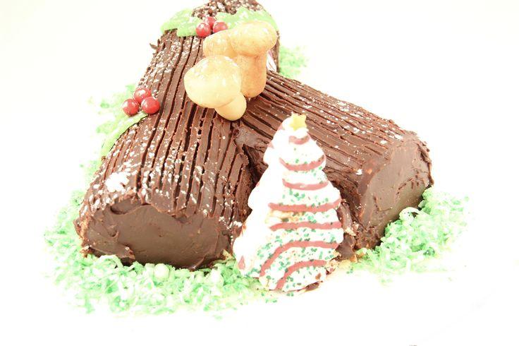 Sponge Cake Jelly Roll Recipe: 2015 Buche De Noel, Utilizing A Jelly Roll Yellow Sponge