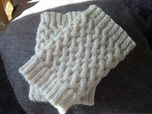 FREE Ravelry: Project Gallery for Cabled Boot Topper pattern by Anna Templer