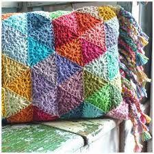 Resultado de imagem para almofadas de crochê