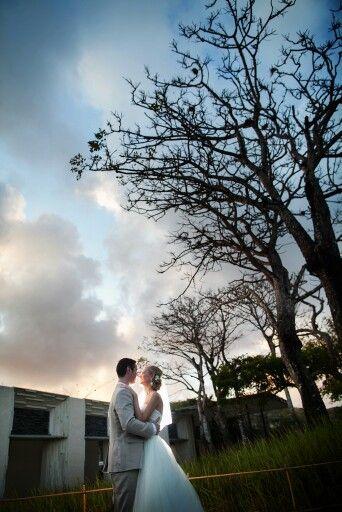 #baliweddings #weddings #destinationweddings #alilavillasuluwatu #brides #weddingphotography #prewedding #weddingportrait #wedding