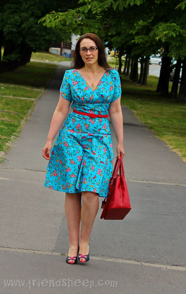 FriendSheep: Toolipp dress