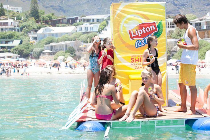 Lipton Ice Tea - Floating vending machine