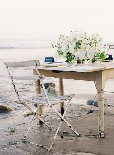a simple table inspiration for a seaside affair | Photography by josevillaphoto.com |  Styling and Design by joydevivre.net |  Florals by kellykaufmandesign.com |   Read more - http://www.stylemepretty.com/2013/07/18/nautical-wedding-inspiration-from-jose-villa-photography/