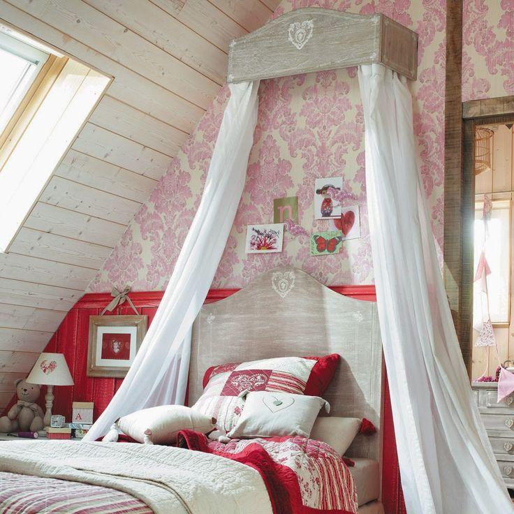 Наиболее популярная тема в оформлении детской комнаты для девочки - это, конечно же, Прованс! Мамы хотят создать для своих дочек райский уголок, частично воплощая и свои детские мечты.
