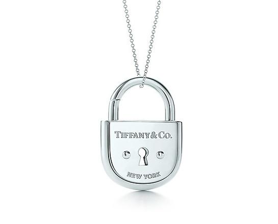Tiffany & Co Collier pendentif cadenas en argent