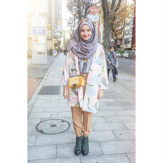 Popular The Rules Demand, Too, That Women Wear Clothes To Conceal The Natural Shape Of The Body These Elements Combine To Produce Hijab  A Concept Of Modesty  Pace Along A Superb &quothealth Road&quot Busy With Joggers And Walkers She