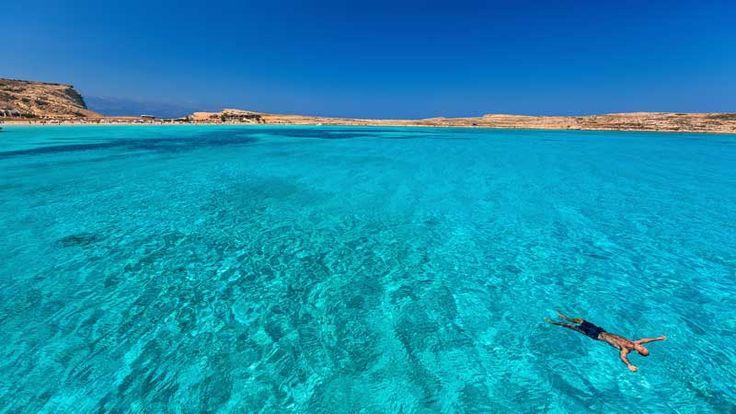 Εσύ που θα πας διακοπές; Τσέκαρε τα 50 πανέμορφα νησιά που σου προτείνουμε και ετοίμασε βαλίτσες..