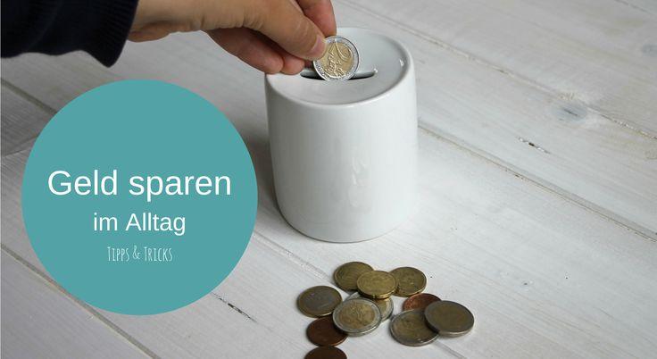 Wir haben einige Tipps und Tricks zum Geldsparen im Alltag für dich. Von ganz einfach bis komplex ist bestimmt ein Tipp für dich dabei.