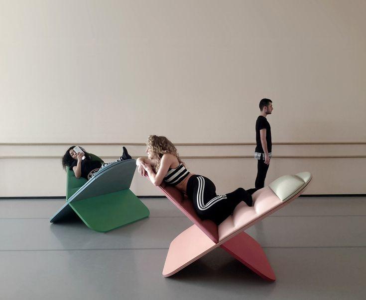 Le designer Assaf Israel a fondé le studio JOYNOUT, basé entre Tel Aviv et Milan, en 2012. Les valeurs qu'il souhaite mettre en avant dans ses conceptions sont l'innovation, l'expérience utilisateur et la qualité.  Voici sa dernière création, une chaise longue étonnante nommée Daydream. Elle permet de s'allonger et de se détendre dans n'importe quel sens et n'importe quelle position. Fabriqué en Italie, Daydream est un siège en forme de X, inspiré par le symbole de l'infini, qui permet...