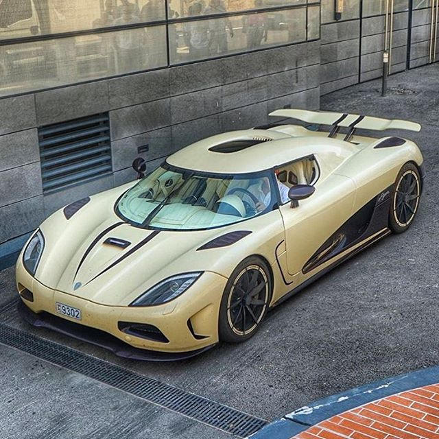 Genial My Favorite Koenigsegg Agera R! Also The First One I Ever Saw Back In The. Super  CarsSuper ...