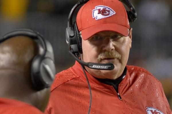 Andy Reid signed a contract extension to remain coach of the Kansas City Chiefs after four seasons and is also taking over player personnel duties after the team parted ways with general manager John Dorsey.  Kansas City announced the moves 32 minutes apart, first announcing Reid's... - #Andy, #Chiefs, #City, #Extension, #Give, #Kansas, #Reid, #Split, #TopStories