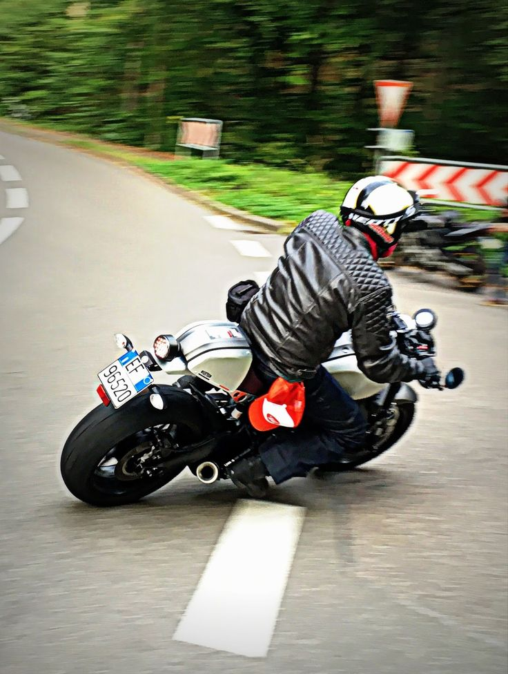 1000 KM To Fun - Long Run Yamaha XSR 900 - RocketGarage - Cafe Racer Magazine