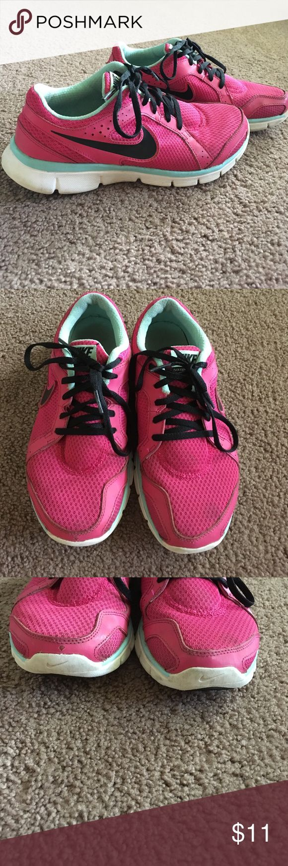 Nike Shoes Nike Flex Experience Run 2. Used but with lots of life left. Super comfortable! Nike Shoes Athletic Shoes