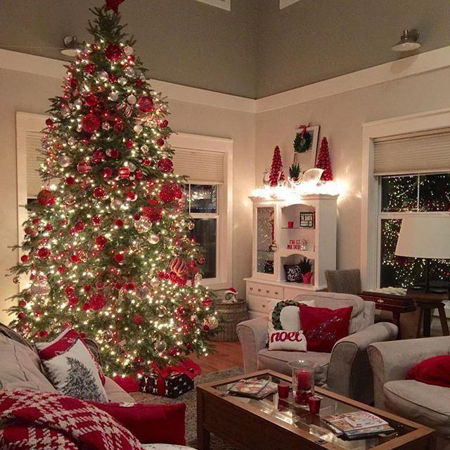 51 Fascinating Christmas Tree Ideas For Living Room Roundecor Beautiful Christmas Christmas Decorations Spode Christmas Tree