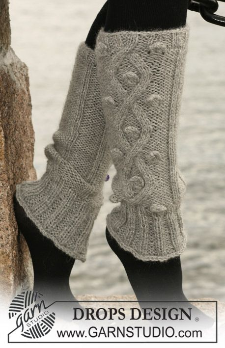 "DROPS leg warmers with cables in 2 threads ""Alpaca"". ~ DROPS Design"