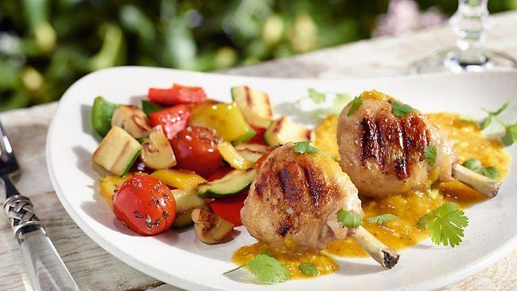 Przepis na podudzia kurczaka z grilla marynowane w soku z pomarańczy. Wypróbuj koniecznie!