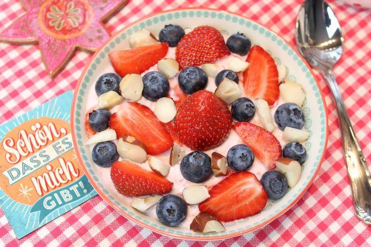 Low Carb Rezepte von Happy Carb: Fruchtige Frühstückscreme.