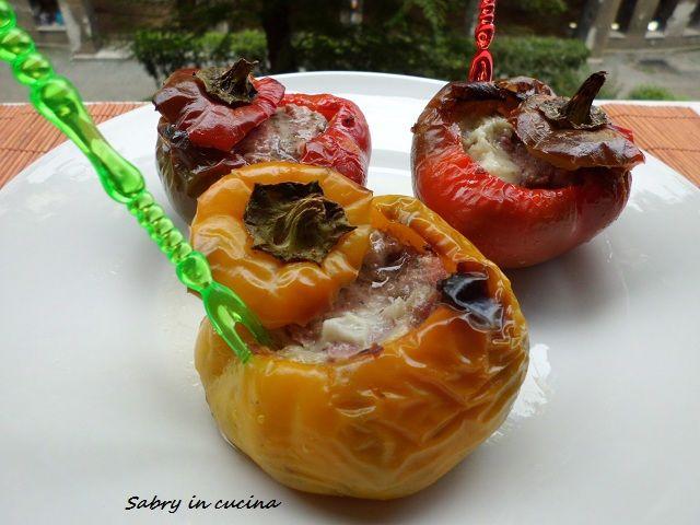 Peperoni ripieni di salsiccia ed Asiago - Ricetta semplice