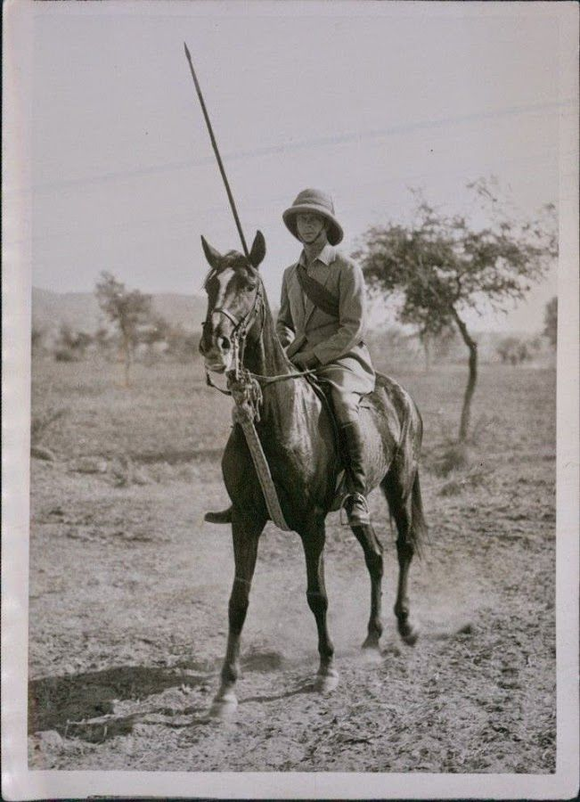 Prince of Wales Edward VIII During a Tour in India and Burma - 1921 - Old Indian Photos