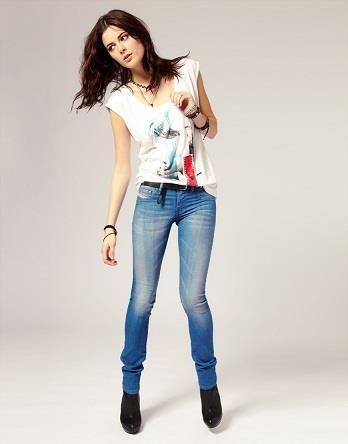 Фото девушек джинсы в обтяг