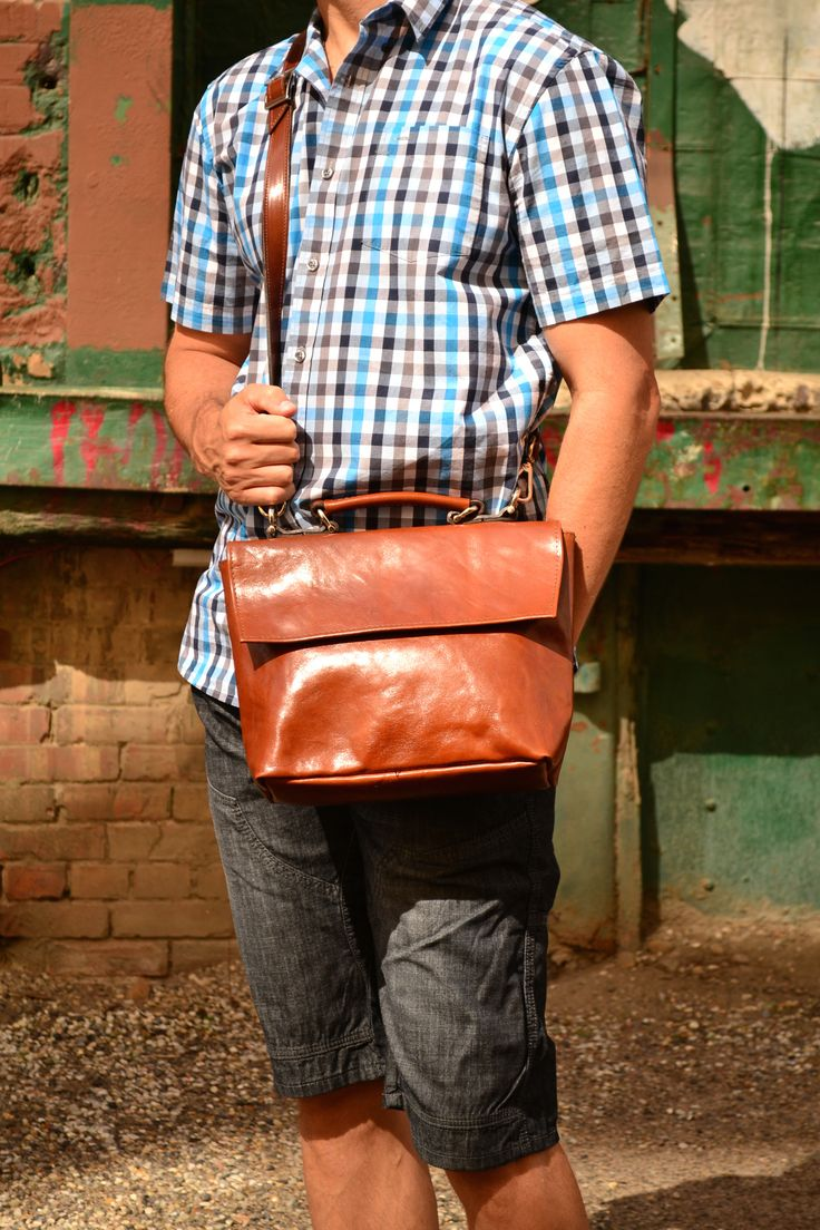 The Satchel- with magnetic snaps