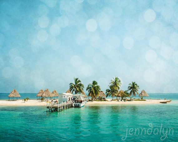Rendezvous Caye in Belize by @jenndalyn