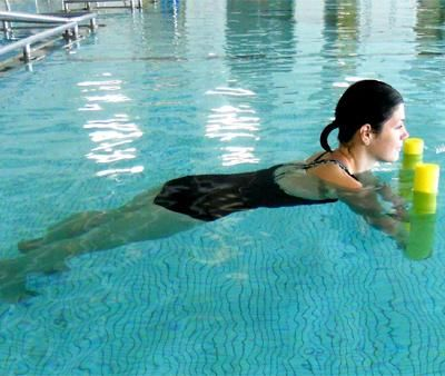 30 of the Best Exercises to Blast Fat and Tone your whole Body in the Water (Noodle Plank-shown)