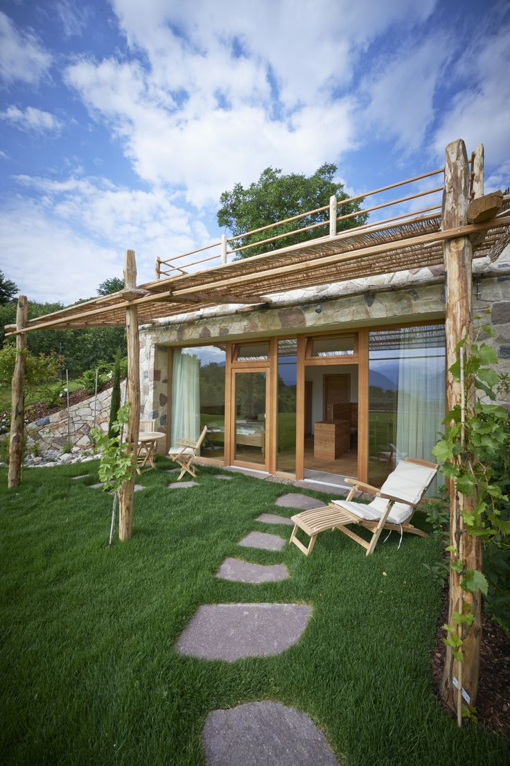 """""""Roter Hahn"""" Farm Stay in South Tyrol (Italian Alps): Weingut Stuck in Eppan/Appiano"""