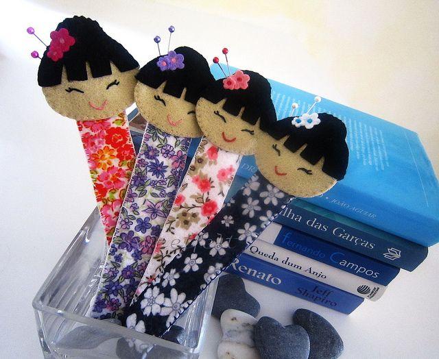 Bookmarks? ♥♥♥  Marcadores Gueiixanoskas... by sweetfelt  ideias em feltro, via Flickr