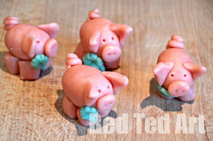 Marzipan Pigs for New Year's (step by step directions)
