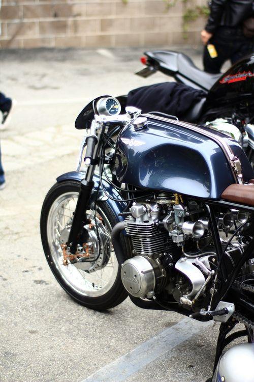 Honda CB550 by Raccia