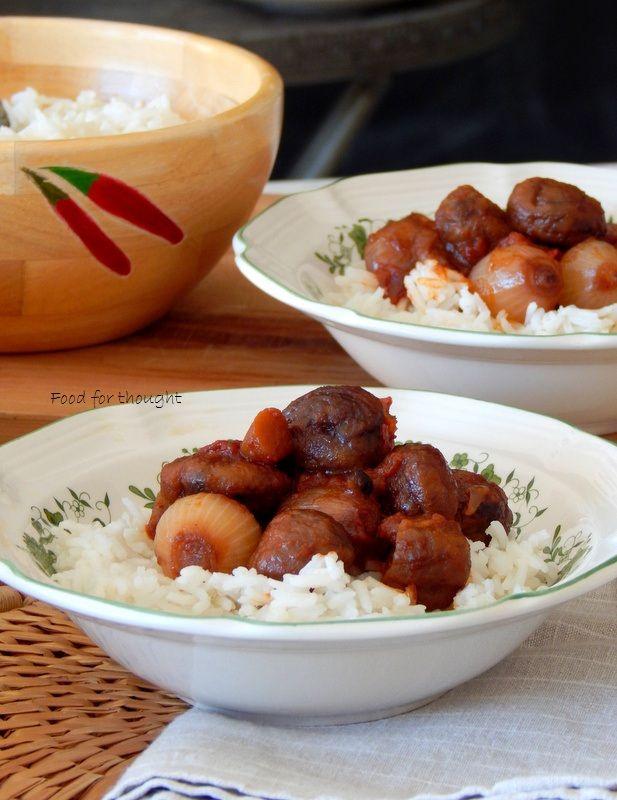 Stew chestnuts. Κάστανα στιφάδο. http://laxtaristessyntages.blogspot.gr/2015/11/kastana-stifado.html