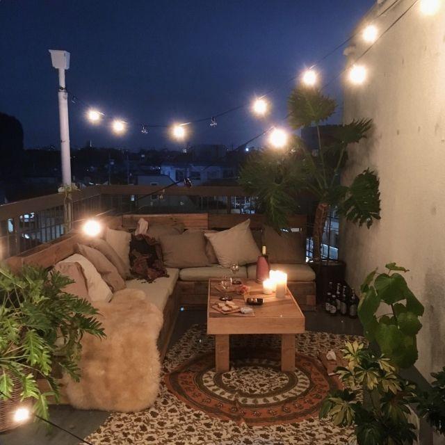6omiさんの、部屋全体,ナチュラル,IKEA,植物,ベランダ,green,クッション,テラス,カフェ風,電飾,Roof top,ボヘミアン,リノベーション,屋上テラス,NO GREEN NO LIFE,BOHO,Boho Style,アウトドアインテリア,ボヘミアンビーチインテリア,IG▶︎__locuomi__,のお部屋写真