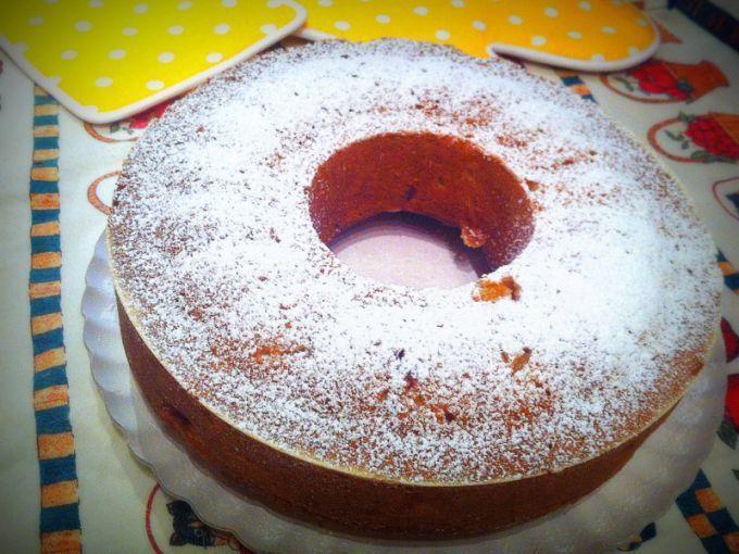 Torta con pesche, cannella, pepe e noce moscata. Ideale da servire come dessert e ottima per la prima colazione. - Ricetta Dessert : Torta speziata con pesche da Guladelamajun