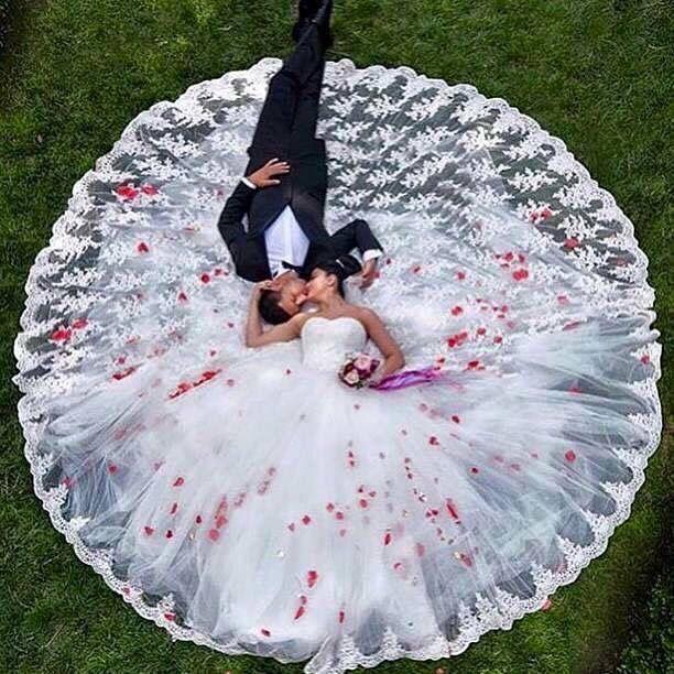 The most beautiful wedding pic I ever seen ... #wakemeupinside