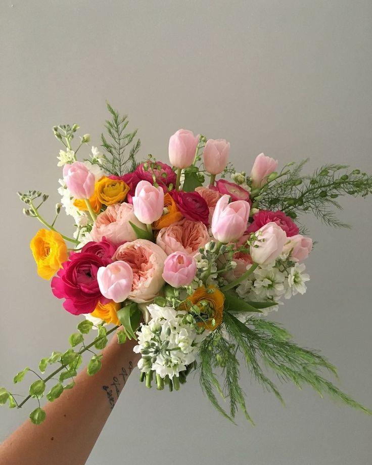 CBR445 wedding Riviera Maya spring style bride bouquet with different colors of pink and yellow/  ramo de novia con diferentes tonalidades de rosa y amarillo