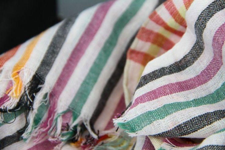 a 17 legjobb tlet a k vetkez r l foulard pas cher a pinteresten haut femme pas cher colle. Black Bedroom Furniture Sets. Home Design Ideas