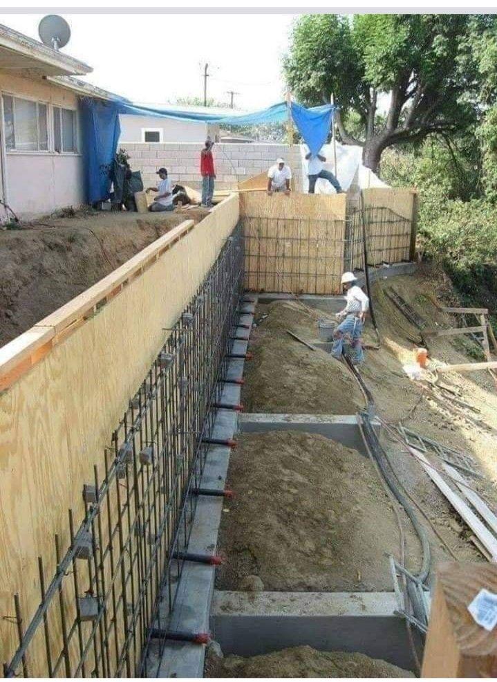 Retaining Wall In 2020 Concrete Retaining Walls Landscaping Retaining Walls Building A Retaining Wall