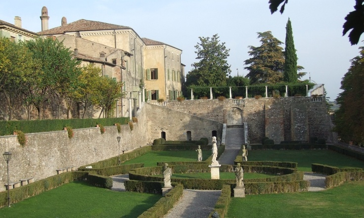 Volta Mantovana -Mantova Palazzo Guerrieri Gonzaga