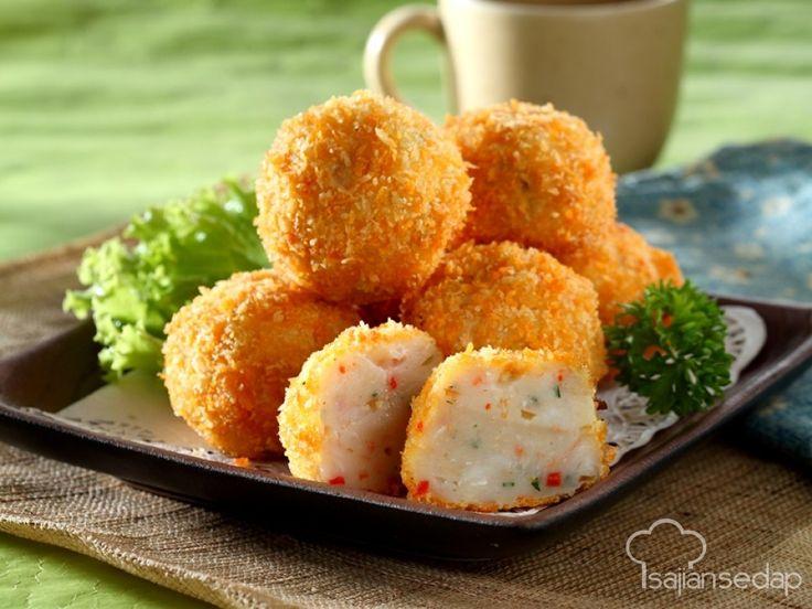 Bosan dengan nugget yang dijual di swalayan? Nugget pedas buatan rumah ini bisa jadi alternatif. Pedasnya bisa disesuaikan, keluarga pun pasti puas menyantapnya.