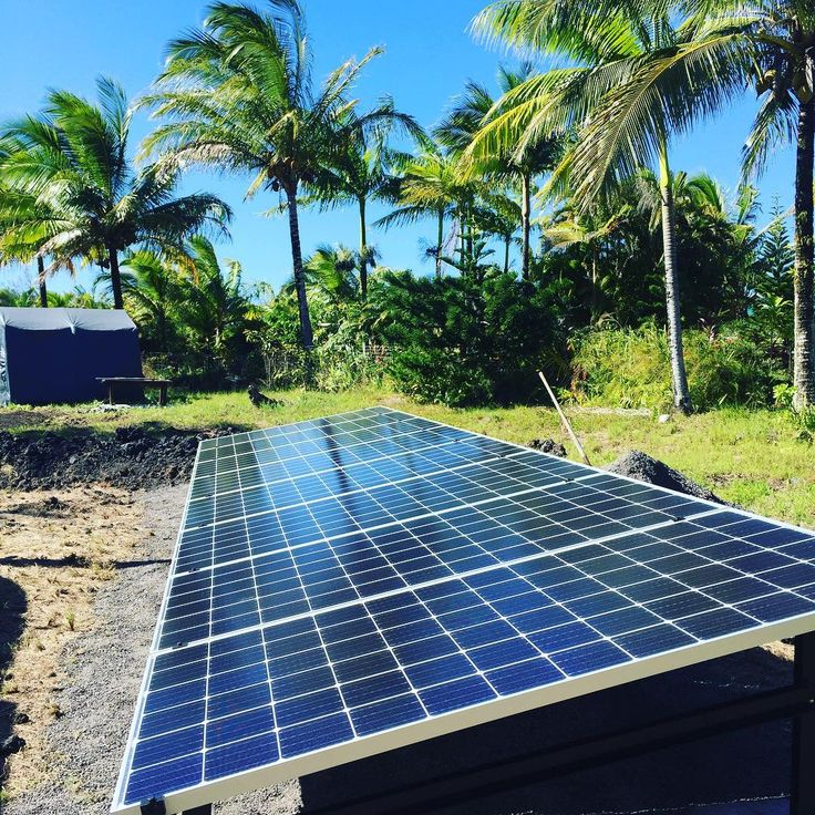 I don't usually work 6 days straight but when we do we build ground mounts then go surf. Perfect for a house that cannot have panels on the roof. #5Thdimensiondesigns #sustainablehawaii #luckywelivehi #downtownhilo #bigisland #luckywelivehawaii #solar #gogreen #greenhawaii #supportlocal #bigislandsustainability #hawaiiunchained #outbackpower #builditgreen808 #dakine#uptous#climaterevolution #solarsaint