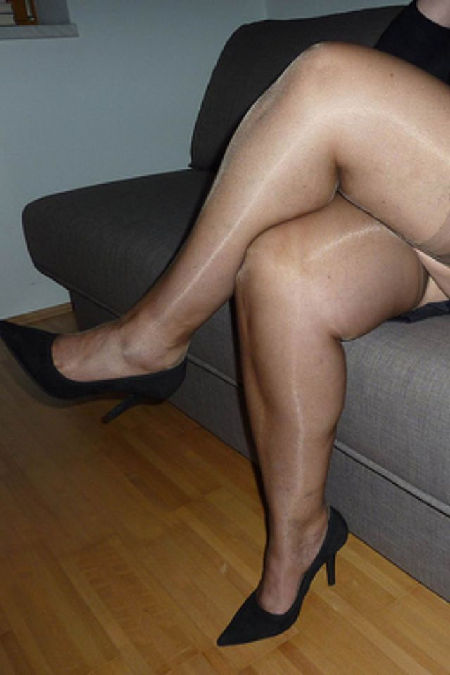 Sexy mature nylon legs | So Sexy | Pinterest | Sexy and Legs