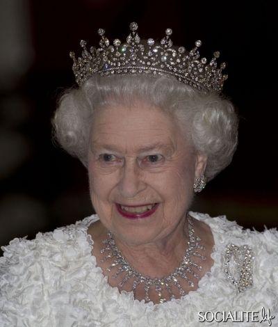 Queen Elizabeth Crowns and Tiaras | Queen Elizabeth Girls Of Great Britain And Ireland Tiara Dublin Castle ...