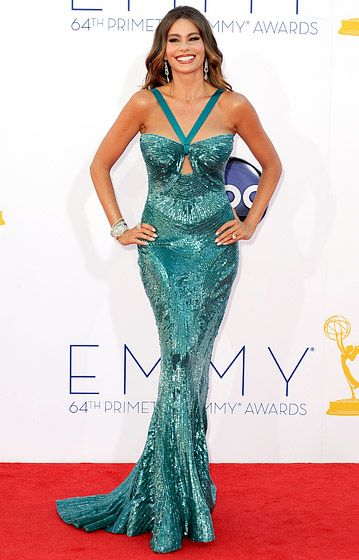 Sofia Vergara! <3Sofia Vergara, 2012 Emmy, Modern Families, Celebrities Style, Zuhair Murad, Emmy Awards, Modern Family, Mermaid Dresses, Red Carpets Dresses